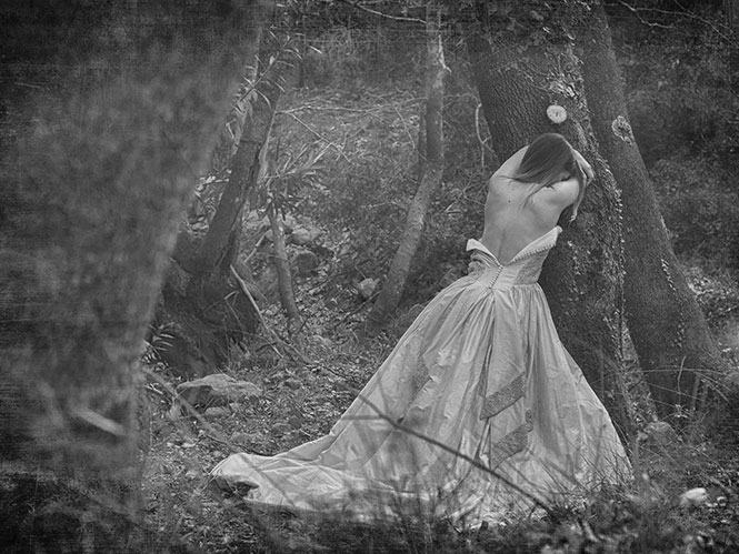 Έκθεση Φωτογραφίας της Γιώτας Τσώκου ''Σπασμένο είδωλο''