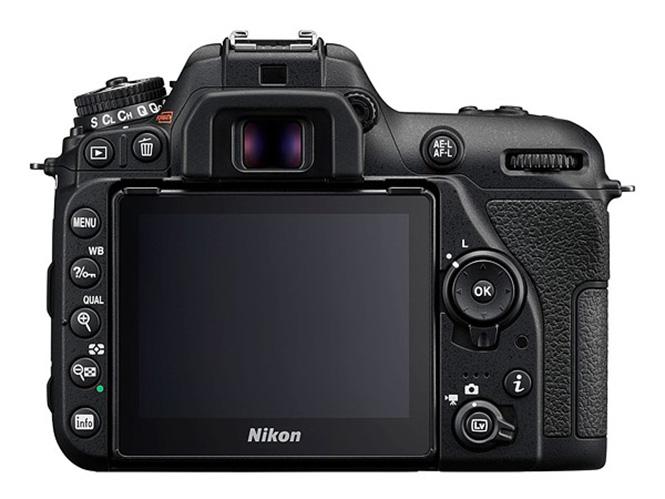Nikon-D7500-7