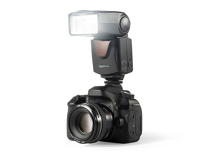H Amazon έχει το δικό της speedlight flash για DSLR που κάνει 25 ευρώ