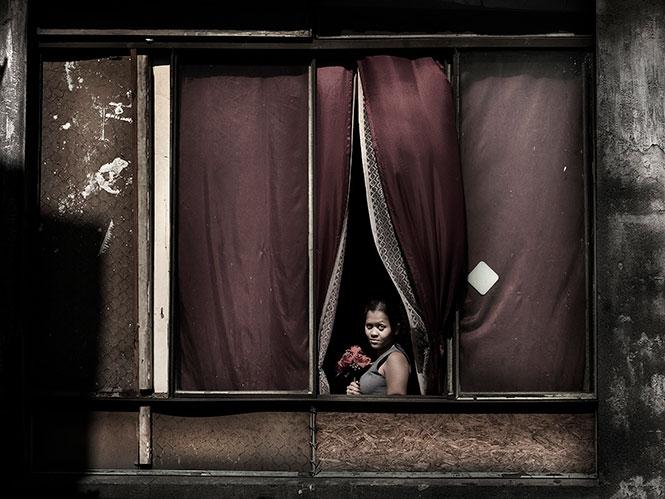"""Έκθεση του Julio Bittencourt με τίτλο """"In a window of Prestes Maia 911 Building"""""""