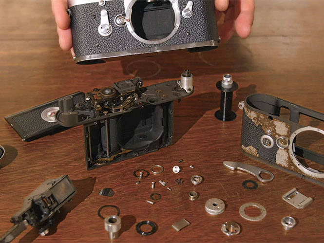 Δείτε την αποσυναρμολόγηση της Leica M