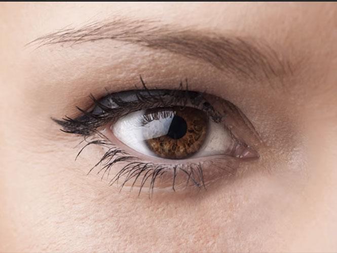 Photoshop: Αλλάξτε το χρώμα των ματιών γρήγορα και εύκολα