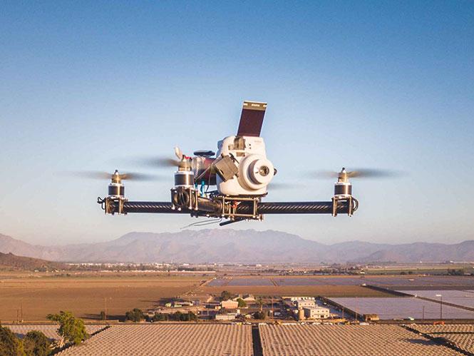 Αυτό είναι το πρώτο drone που βγάζει instax φωτογραφίες (video)