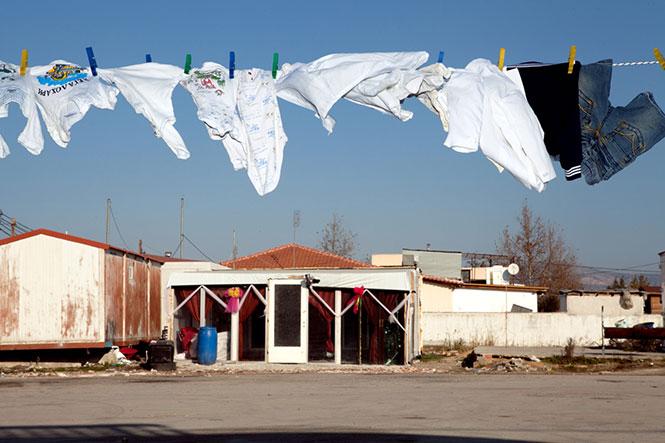 Αθίγγανες Πολιτείες: Έκθεση Φωτογραφίας του Κοσμά Εμμόγλου στη Θεσσαλονίκη από το ΦΚΘ