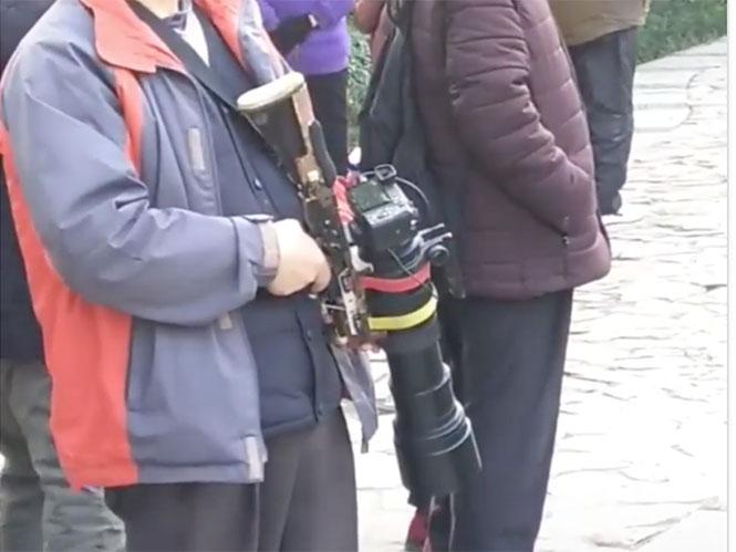 Αυτός ο φωτογράφος έχει κάνει το δικό του φωτοόπλο!