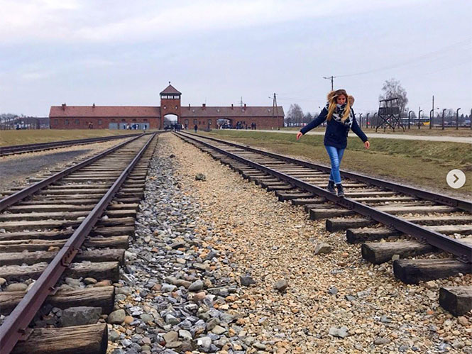 To Μουσείο του Άουσβιτς παροτρύνει τους επισκέπτες να φωτογραφίζουν με σεβασμό