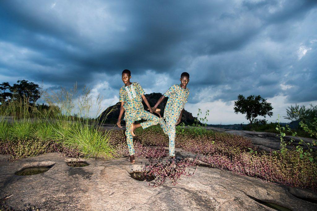 Πρεσβευτές της Nikon αποτυπώνουν την πολυπλοκότητα της ζωής των διδύμων στη Νιγηρία