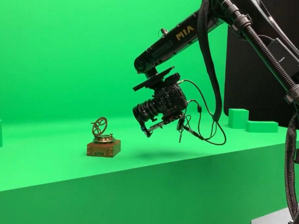 Η Canon έχει ακυκλοφόρητη κινηματογραφική κάμερα στα 8Κ η οποία εμφανίστηκε στην παρουσίαση της Apple!