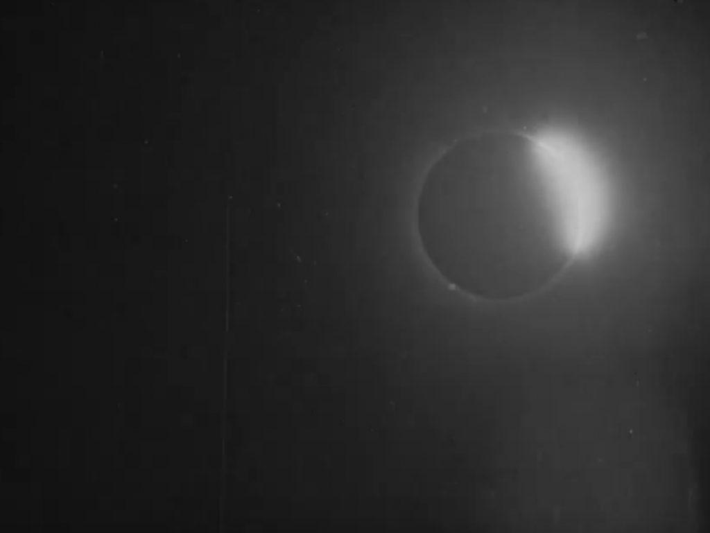 Βίντεο της έκλειψης ηλίου από το 1900: Είναι αυτό το πρώτο βίντεο αστρονομικού γεγονότος στην ανθρώπινη ιστορία;