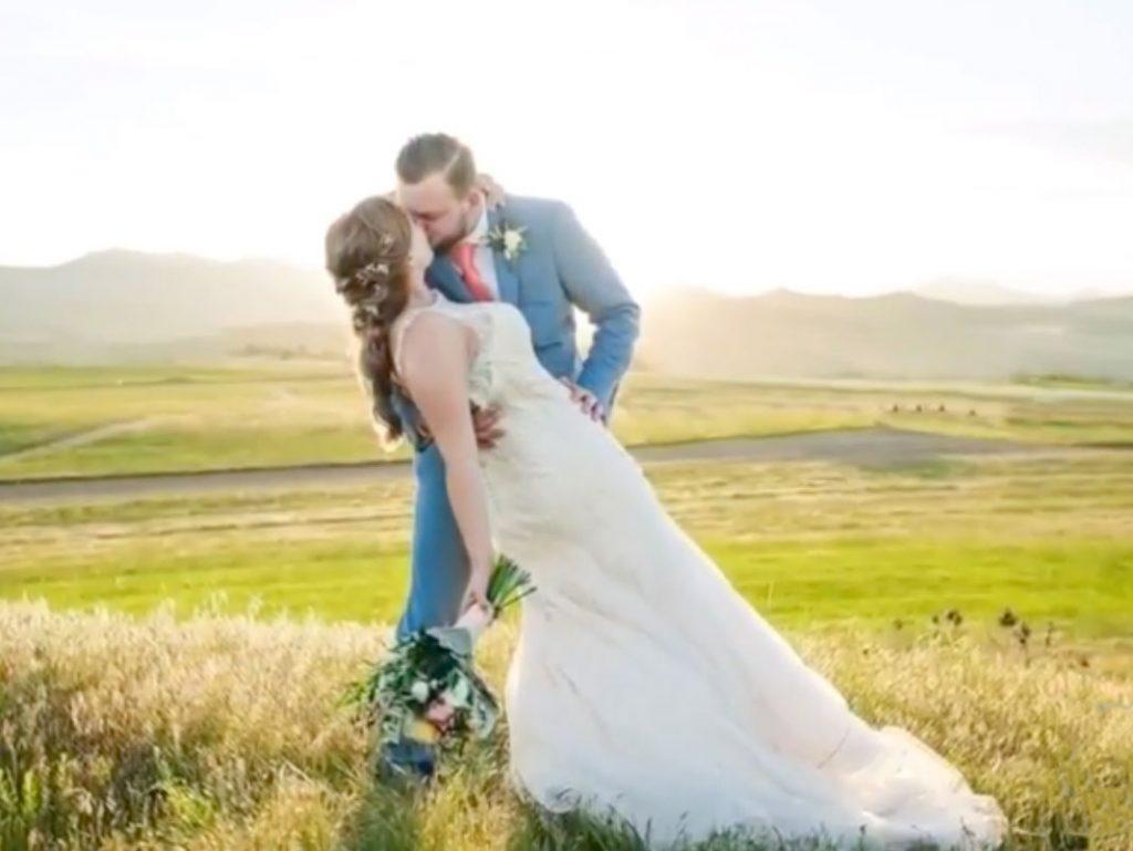 ΕΦΙΑΛΤΗΣ: Φωτογράφος γάμου έχασε όλες τις κάρτες μνήμης με τις λήψεις του από ένα γάμο
