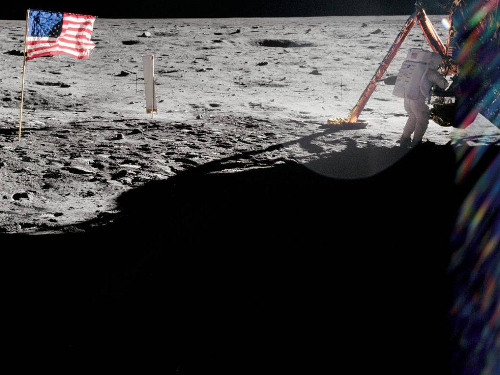 Ο Οίκος Christie's δημοπρατεί για χιλιάδες ευρώ ιστορικές φωτογραφίες από την εξερεύνηση του διαστήματος!