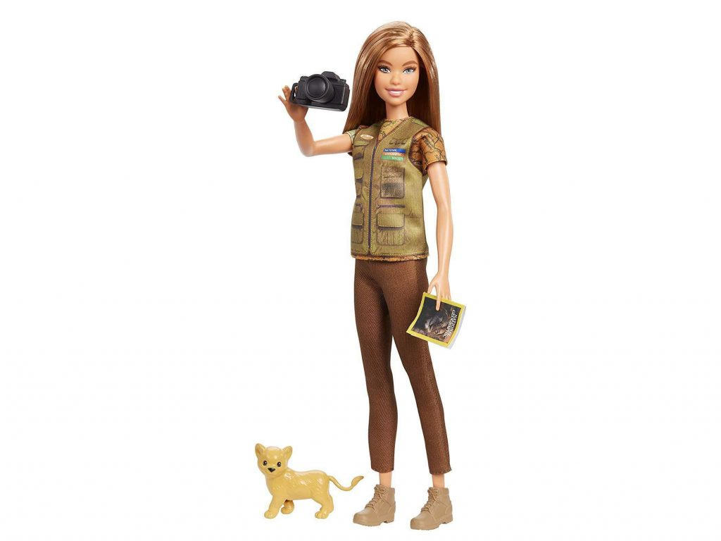 Η Barbie έγινε φωτογράφος του National Geographic