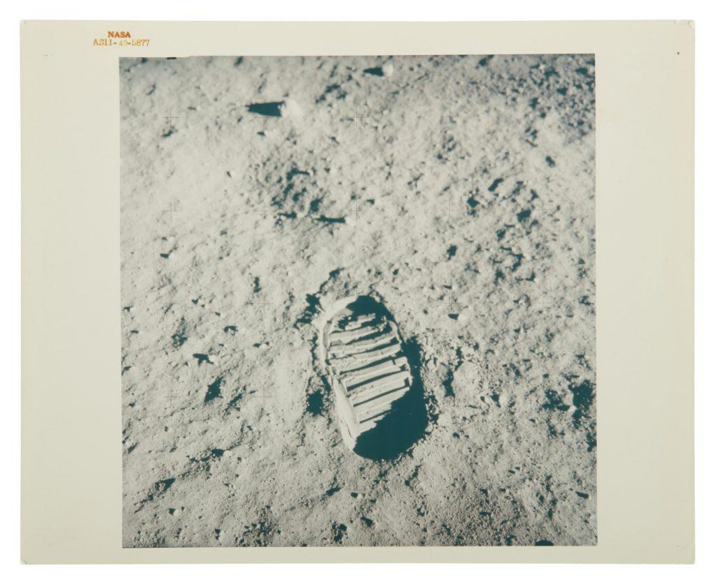 Δημοπρασία δεκάδων φωτογραφιών από τις αποστολές της NASA, αναμένεται να πωληθούν για χιλιάδες δολάρια