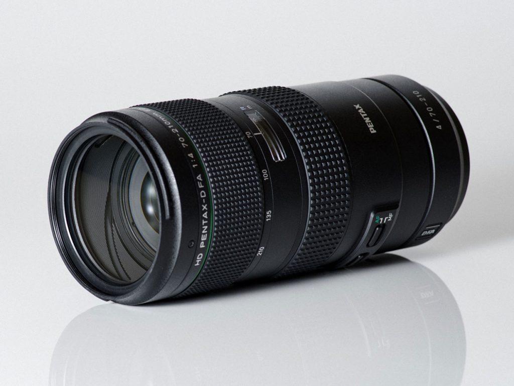 Παρουσιάστηκε ο HD Pentax-D FA 70–210mm F4 ED SDM WR, αδιάβροχος με βάρος 819 γρ και τιμή στα 1.100 δολάρια