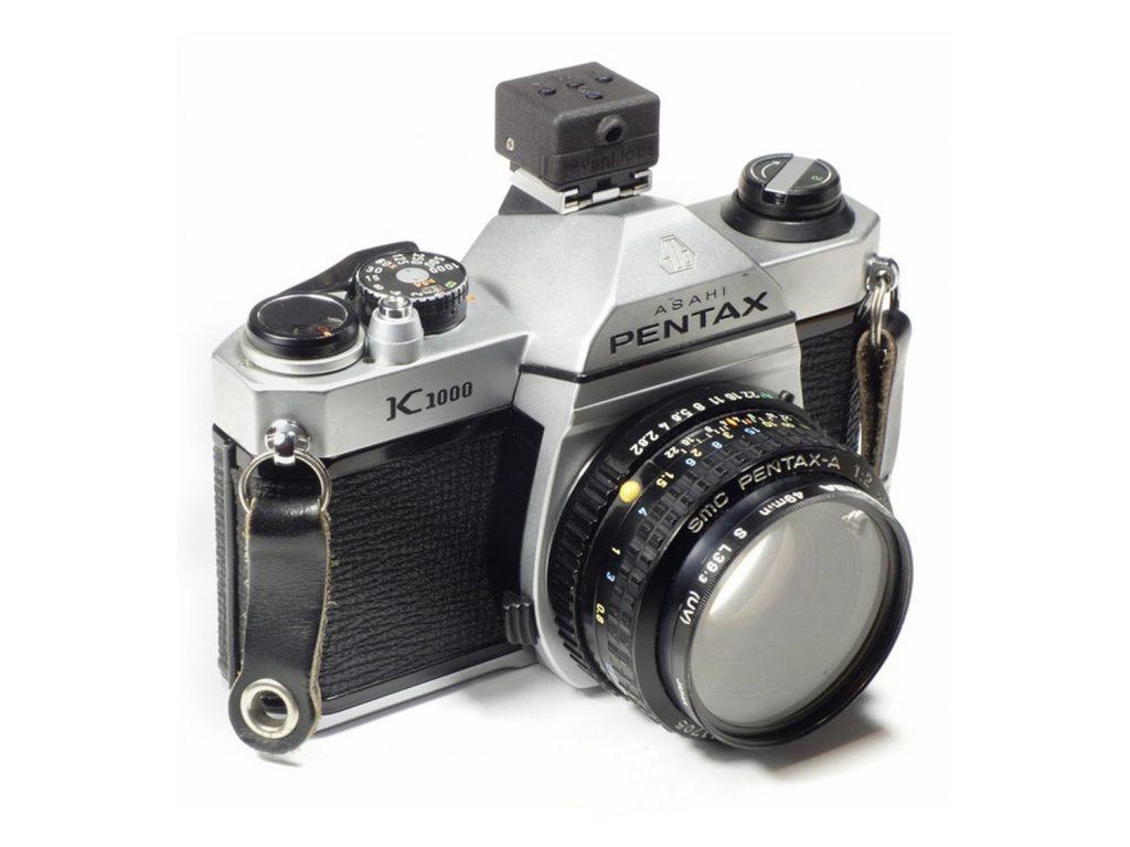 Μικροσκοπικό φωτόμετρο που μπαίνει στο hot shoe, για παλιές μηχανές με φιλμ!