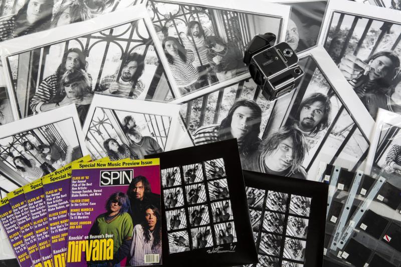 Φωτογράφος βγάζει στο σφυρί τα αρνητικά της φωτογράφισης του πρώτου εξώφυλλου των Nirvana για να μπορέσει να επιβιώσει από την πανδημία του κορονοϊού!