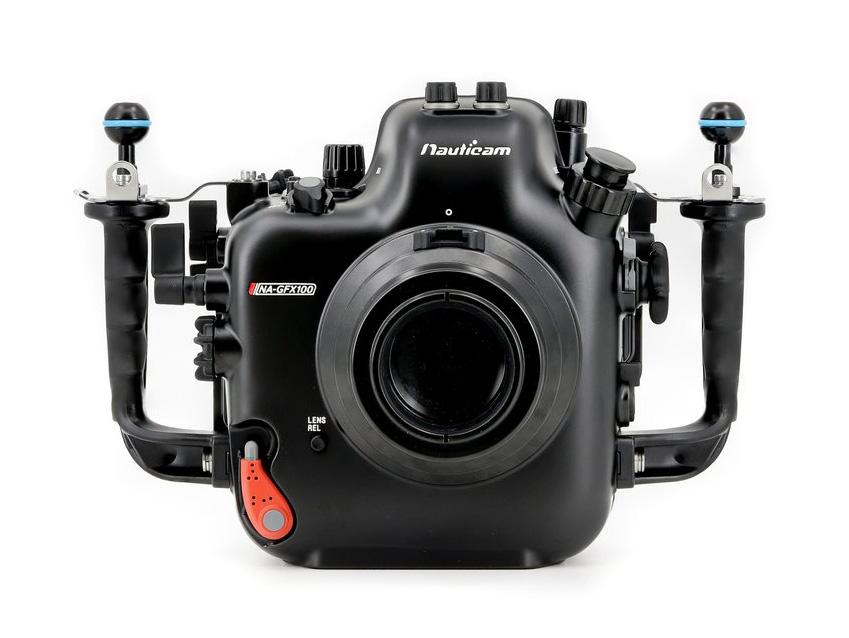 Η Nauticam έχει υποβρύχιο housing για την Fujifilm GFX 100 και έχει τιμή 10.672 ευρώ!