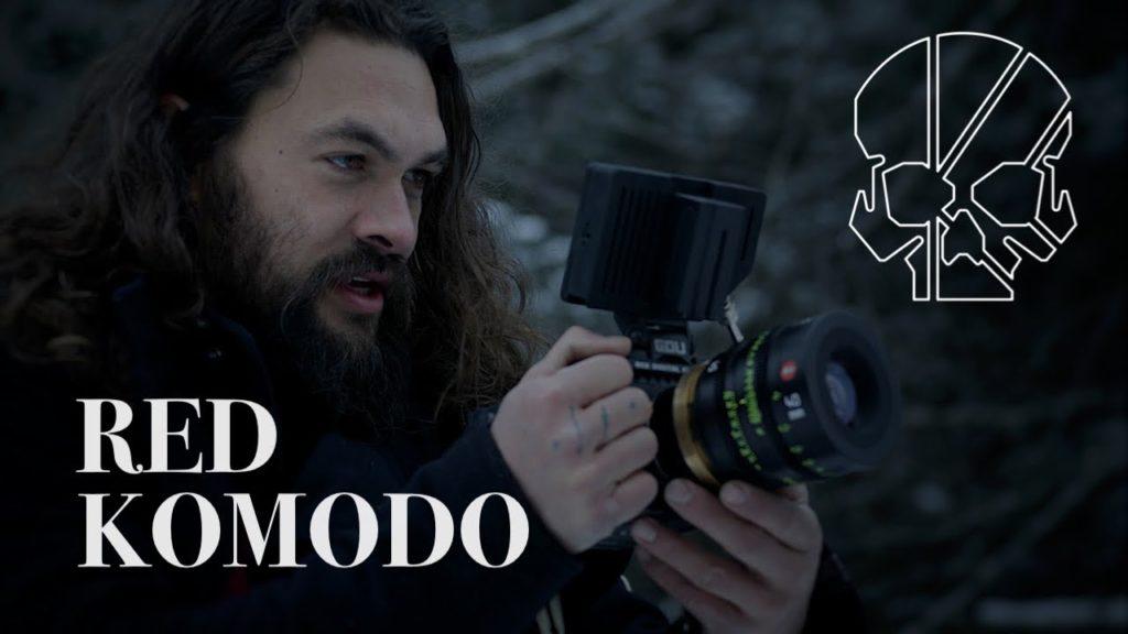 Ο Jason Momoa (Aquaman) κάνει YouTube βίντεο για την Red Komodo!