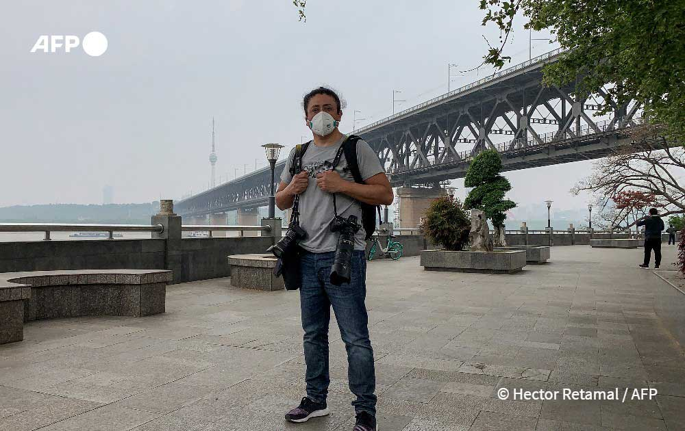 The Guardian: Φωτογράφος της χρονιάς ο Hector Retamal του AFP!