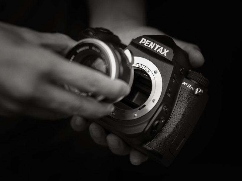 Pentax: Η Pentax K-3 Mark III έχει ειδική λειτουργία για χρήση παλιών φακών!