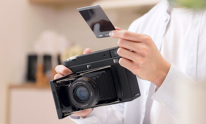 InstantKon SF70 Instant Camera: Νέα κάμερα άμεσης εκτύπωσης φωτογραφιών με φιλμ της Fujifilm!