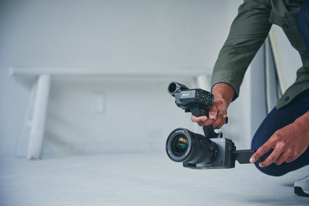 Sony FX3: Κινηματογραφική κάμερα με look mirrorless κάμερας και τιμή 4.700 ευρώ!