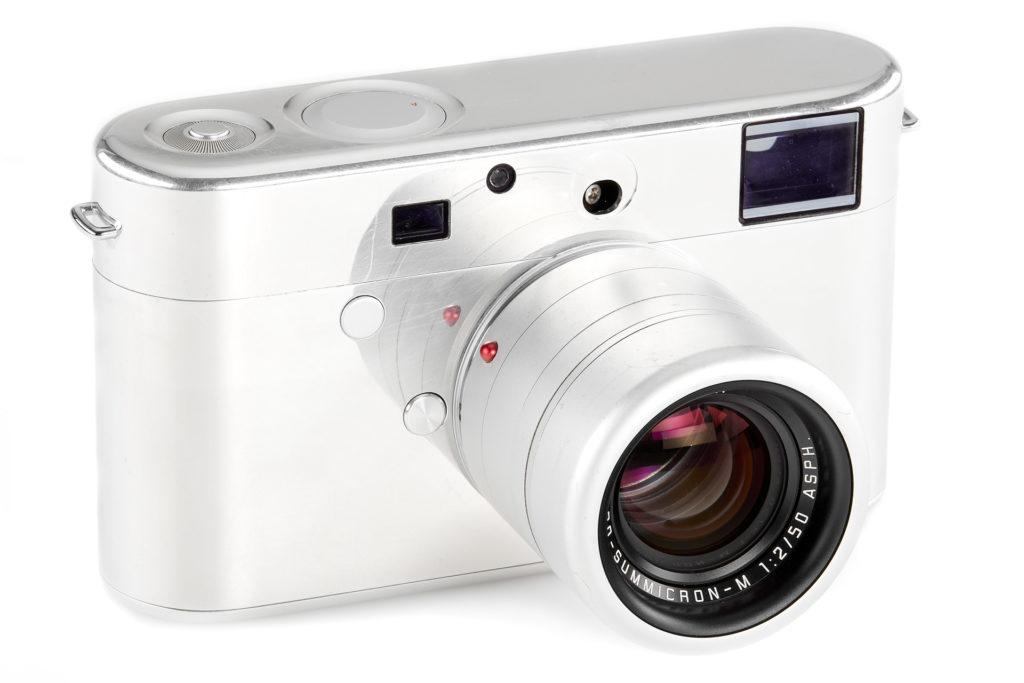 Πρωτότυπο της Leica κάμερας που σχεδίασε ο Jony Ive αναμένεται να πουληθεί πάνω από 250.000 ευρώ