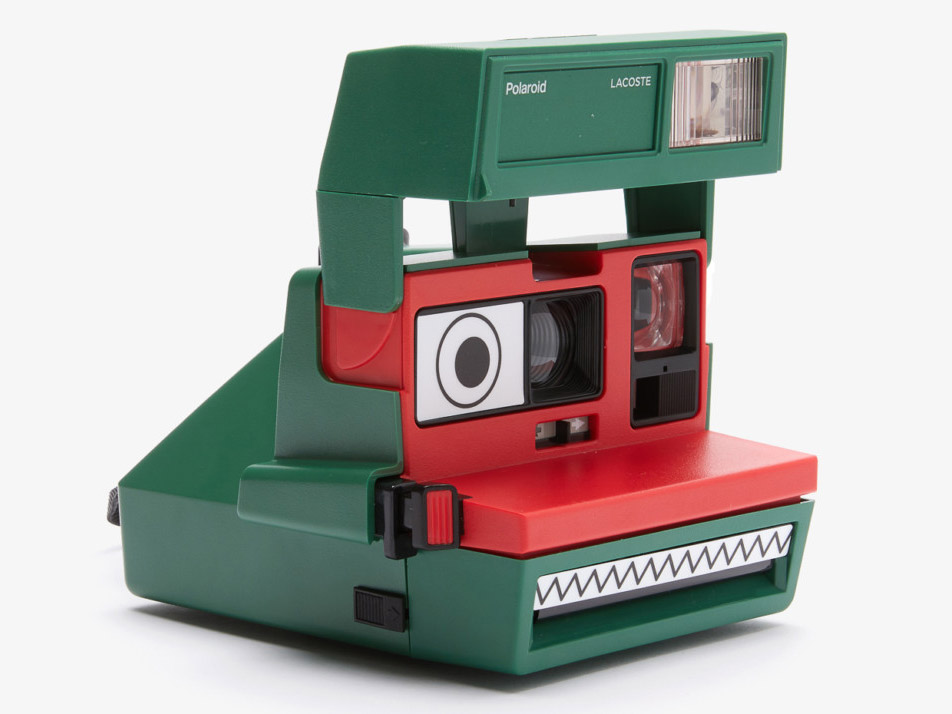 Συνεργασία της Lacoste με την Polaroid, με κάμερα-κροκόδειλο και πολύχρωμα ρούχα!