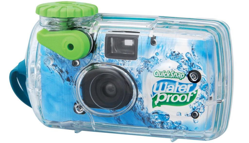 Fujifilm QuickSnap Waterproof: Ξανά στην αγορά η αδιάβροχη κάμερα μίας χρήσης