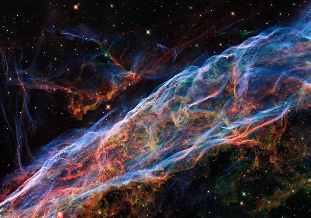 NASA: Νέα τεχνική επεξεργασίας στην εικόνα του Νεφελώματος Veil αποκαλύπτει μοναδικές λεπτομέρειες!