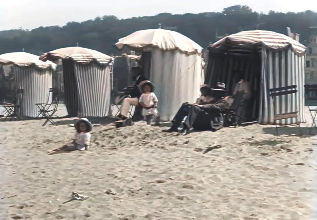 Μία μέρα σε παραλία της Γαλλίας του 1899, μέσα από ένα έγχρωμο 4Κ βίντεο!