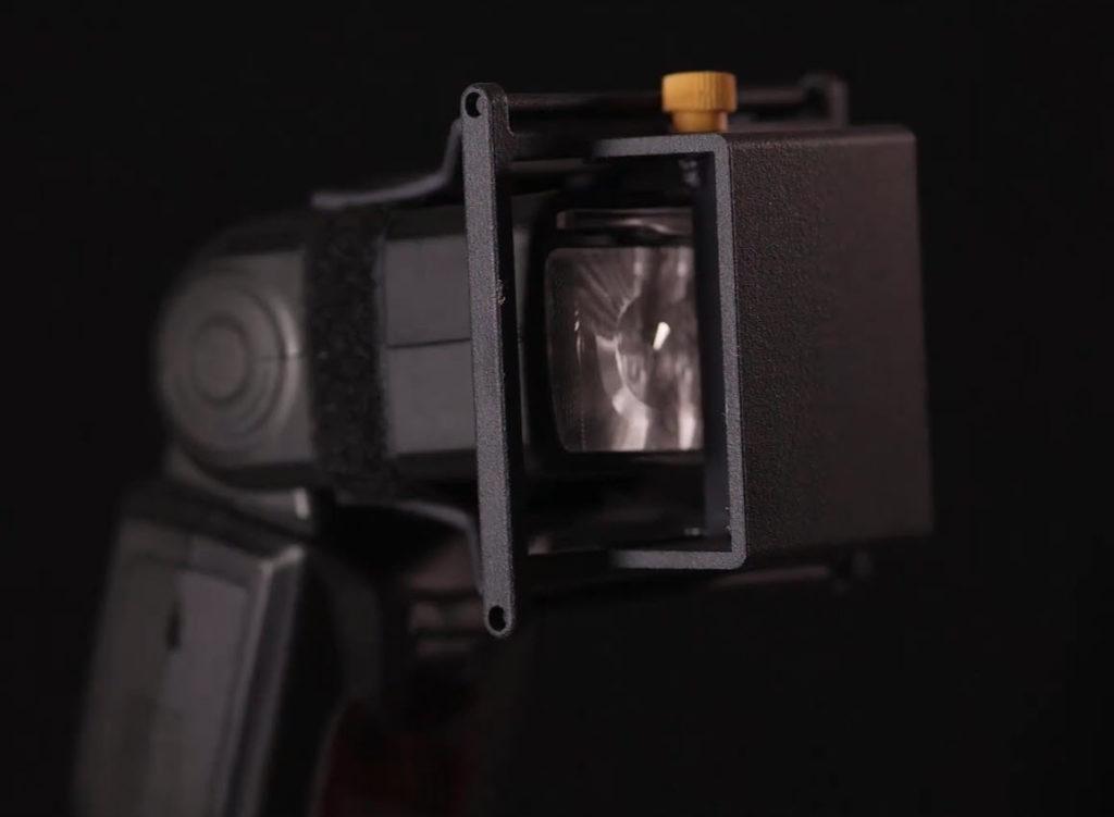 DUALFLASH: Με αυτό το αξεσουάρ μπορείς να φωτίσεις με ένα speedlight flash, το θέμα και το φόντο!