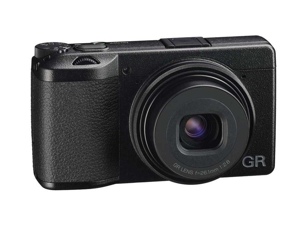 Ricoh GR IIIx: Ανακοινώθηκε η νέα premium street κάμερα με νέο 40άρη φακό!