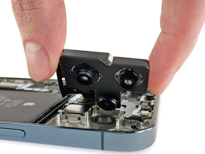 Το Teardown του iPhone 13 Pro δείχνει μία πολύ μεγαλύτερη κάμερα σε σχέση με το iPhone 12!