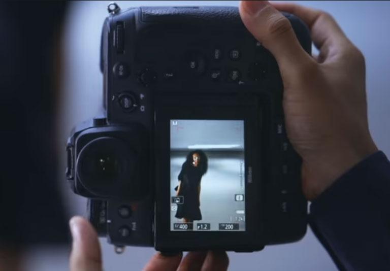 H Nikon δημοσίευσε το πρώτο teaser βίντεο της Nikon Z 9 και βλέπουμε την πλάτη της!